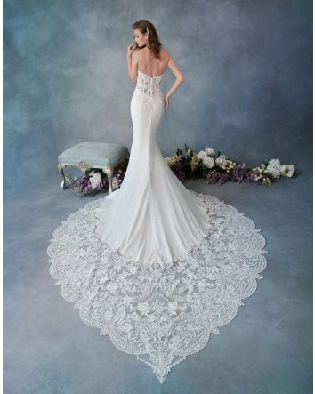 Wedding Dress Details: